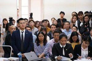 Công ty của 'chúa đảo Tuần Châu' Đào Hồng Tuyển kiện đạo diễn Việt Tú ra tòa