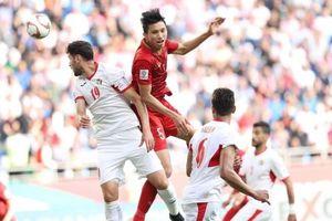 Đội bóng hạng 4 Bundesliga muốn 'tậu' hậu vệ Văn Hậu về Đức