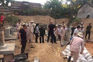 Quảng Bình: Đào móng nhà phát hiện bom 'khủng'