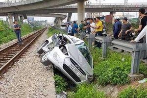 Danh tính 5 nạn nhân trong vụ tàu hỏa húc văng ô tô ở Hải Dương