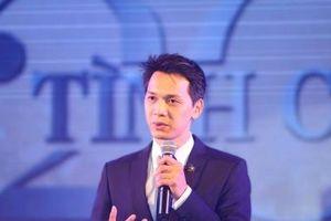 Chủ tịch trẻ nhất giới ngân hàng Việt gom thêm 3,8 triệu cổ phiếu ACB từ người thân?