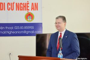 Đại sứ Hoa Kỳ thăm Văn phòng thông tin di cư Nghệ An