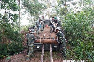 Quảng Trị: Di chuyển thành công 25 quả đạn cối dưới móng nhà dân