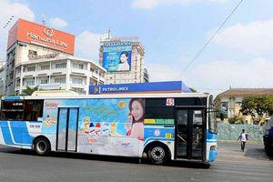 Vì sao doanh nghiệp không mặn mà khi quảng cáo trên xe buýt?