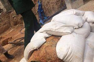 Quảng Bình: Phát hiện quả bom nặng gần 350 kg khi đào móng nhà