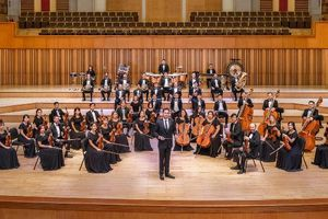Dàn nhạc Giao hưởng Mặt Trời trình diễn đêm nhạc 'Nhiệt huyết Nga'