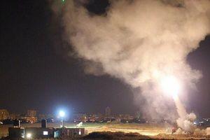 Tel Aviv hứng chịu hai quả tên lửa được phóng đi từ Dải Gaza
