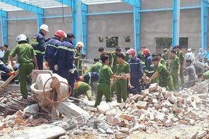 Thêm 1 người tử vong trong vụ sập tường kinh hoàng ở Vĩnh Long