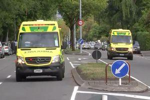 Cảnh sát, xe cứu thương đổ đến hiện trường 2 vụ xả súng ở New Zealand