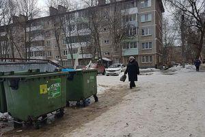 Mẹ nhẫn tâm vứt con mới sinh vào thùng rác để thác loạn