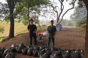 Thanh niên Việt khắp nơi hào hứng tham gia 'Thử thách dọn rác'