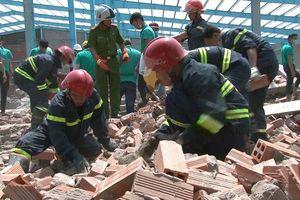 Vụ sập tường nhiều người chết ở Vĩnh Long: Thêm một nạn nhân tử vong