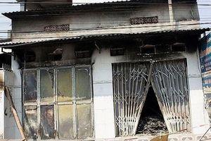 Cháy ki-ốt sửa chữa điện tử lúc rạng sáng, 3 người tử vong