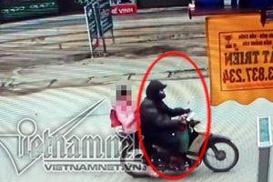 Gã bán thịt giữa trưa ép bé gái Hà Nội vào vườn chuối xâm hại