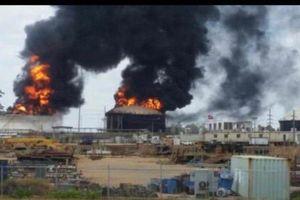 Một kho dự trữ dầu ở Venezuela phát nổ