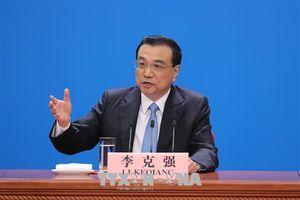 Trung Quốc cắt giảm thuế và phí nhằm ngăn chặn đà suy thoái kinh tế