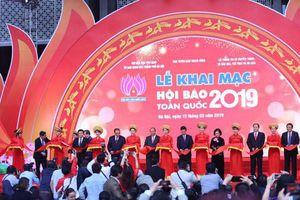 Tưng bừng khai mạc Hội Báo toàn quốc 2019