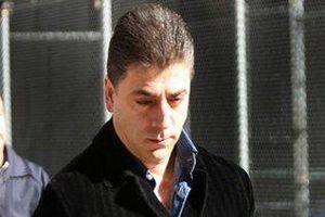 Trùm mafia khét tiếng New York bị bắn chết ngay trước cửa nhà