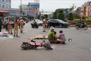 Hai vụ tai nạn tại cùng một ngã tư khiến 3 người thương vong