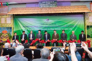 Khai mạc triển lãm 70 năm Trường dạy làm báo Huỳnh Thúc Kháng
