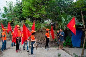 Trao tặng 1.000 góc học tập cho nhân dân 25 tỉnh thành biên giới