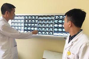 Đau tức ngực kèm khó thở và nuốt nghẹn, coi chừng ung thư