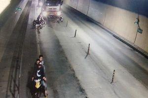 Vụ đập xe ở hầm Phước Tượng: Hiện trường có cây rựa dài