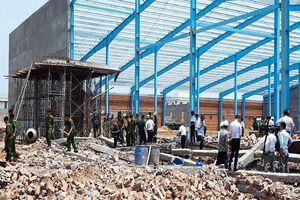 Phong tỏa toàn bộ tài liệu vụ sập tường làm 6 người tử vong