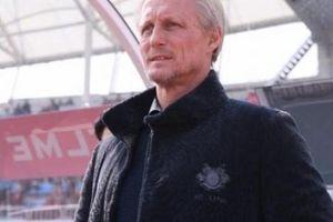 Thua trận đầu tiên, HLV Incheon United nói gì về Công Phượng?
