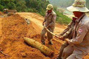 Phát hiện nhiều bom, đạn khi xây dựng công trình dân sự tại Quảng Trị