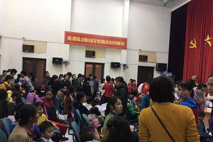Cả nghìn trẻ Bắc Ninh về Hà Nội xét nghiệm sán lợn: BV không còn chỗ chen chân