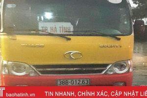 CSGT Hà Tĩnh bắt thêm 1 xe buýt 'nhái' chạy tuyến thành phố - Kỳ Anh