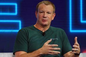 Nhà sáng lập WhatsApp cảnh báo mọi người xóa tài khoản Facebook ngay lập tức