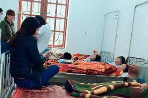 Hà Tĩnh: 7 học sinh tiểu học ngộ độc sau bữa ăn sáng ở cổng trường