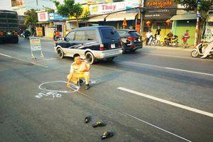 Đi bộ qua đường, 2 tu sĩ bị ô tô đâm tử vong