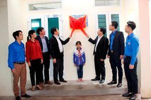 Khánh thành, bàn giao 'Ngôi nhà khăn quàng đỏ' cho gia đình em Nguyễn Thị Quỳnh Trang