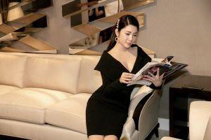 Á hậu Yan My thanh lịch trong váy đen cổ điển, xuất hiện cùng NTK Văn Thành Công
