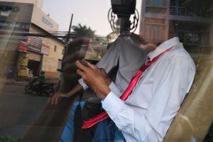 Nhiều người ngỡ ngàng khi bị xử phạt vì không thắt dây an toàn