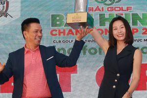 Nữ golfer giành giải Best Gross ở cúp Bát Hùng 2019