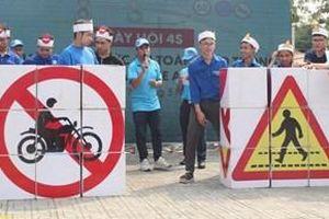 Hàng nghìn đoàn viên, thanh niên tham gia Ngày Hội lái xe an toàn