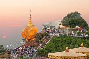 Bí ẩn tảng đá vàng cực thiêng có tóc của Đức Phật