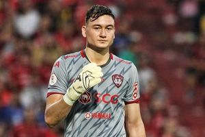 Để thủng lưới 2 bàn, Văn Lâm vẫn để lại dấu ấn trong trận thắng thứ 2 của Muangthong