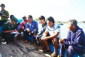 Ngư dân tàu cá gặp nạn ở Hoàng Sa đã vào bờ an toàn