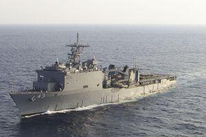 Chiến hạm Mỹ bị buộc phải lênh đênh trên biển 2 tháng, vì sao?