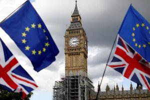 Thế giới Tuần qua: Brexit, 'chạy trường' ở Mỹ và khủng bố gây rúng động dư luận quốc tế