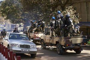 Các tay súng tấn công căn cứ quân đội Mali, giết hại nhiều binh sĩ
