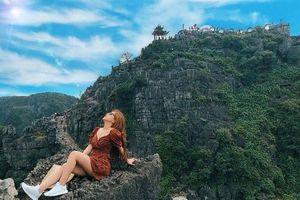 Bạn gái Quang Hải khiến fan ghen tị khi khoe sắc giữa rừng trai đẹp của U23 Việt Nam