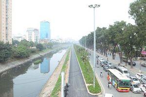 Ngắm con đường đi bộ và xe đạp bên bờ sông Tô Lịch