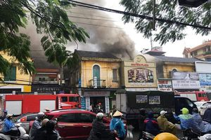 Cháy khách sạn 3 tầng ở Hải Phòng, một nữ nhân viên tử vong