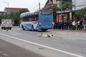 Bất ngờ lao ra đường, người đàn ông chết thảm dưới bánh xe bồn